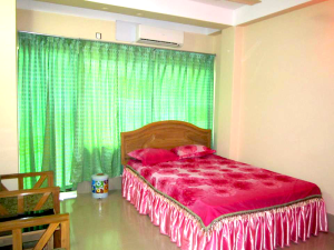 ac-couple-room-of-river-view-hotel